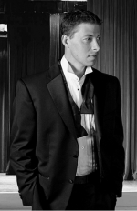 Singer Matt Walch will bring Sinatra-style music to the Cottage Event Center, in Roanoke, on April 17.