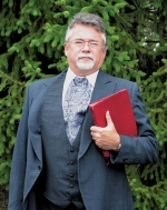 Rev. Chris Hayden, pastor of Central Christian Church, will bring the message during an old-fashioned worship service on Sunday, Sept. 28, at the Forks of the Wabash Pioneer Festival. The service begins at 9 a.m.