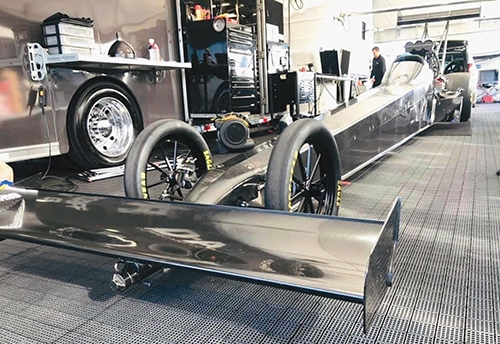 Hart's vehicle for Top Fuel races.