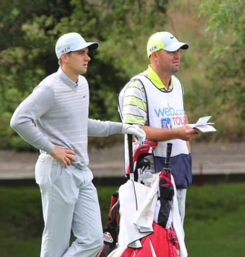 Former HNHS golfer still has bag on shoulder -- as PGA caddy on tour