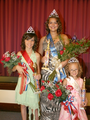 Delaney Huff, Sara Alford and Elley Leas (from left) were crowned Junior Miss, Salamonie Summer Festival Queen and Princess, respectively, during competition on Sunday, June 28. The contest was held at Warren Church of Christ.